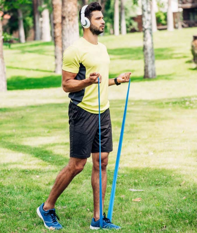 men using resistance bands